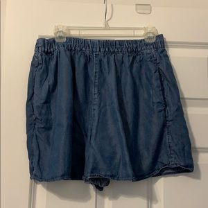 Gap flowy denim shorts